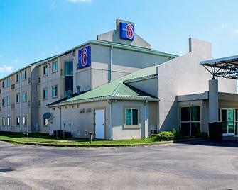 Motel 6 Seymour North - Seymour - Building