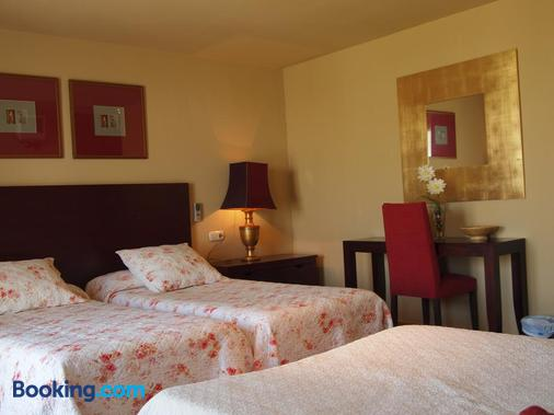 Hostal Tres Soles - Nerja - Bedroom