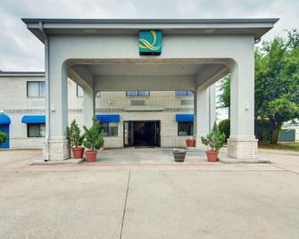 Quality Inn & Suites Grand Prairie - Grand Prairie - Gebouw