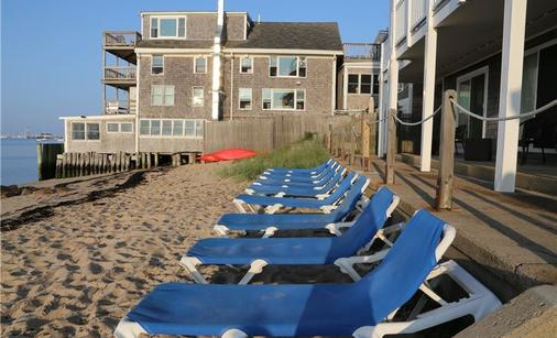 Surfside Hotel and Suites - Provincetown - Beach