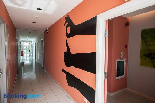 Heliconia Hotel - George Town - Hallway