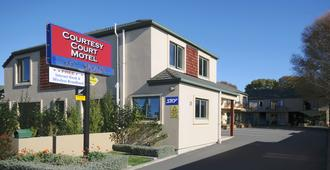 Courtesy Court Motel - כרייסטצ'רץ' - בניין