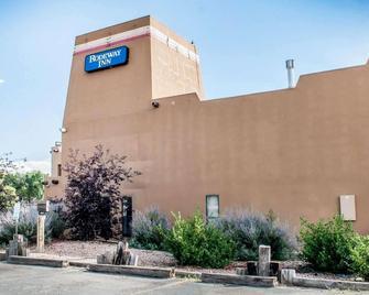 Rodeway Inn - Española - Building