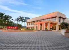 7 애플 리조트 - 로나발라 - 건물