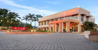 7 Apple Resorts - Lonavala - Building
