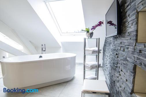 Hotel Merkur - Baden-Baden - Bathroom