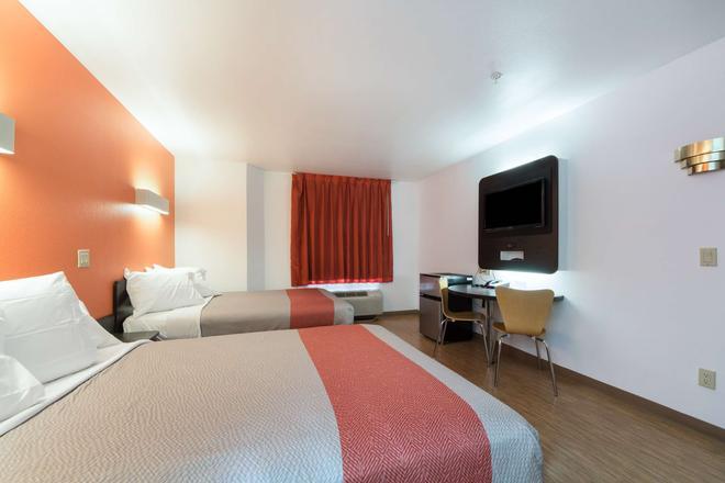 Motel 6 Dallas Northeast - Dallas - Bedroom