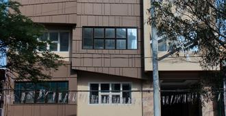 Oriental Zen Suites - Manila