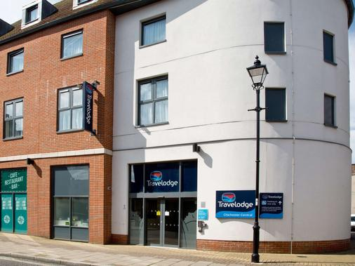 Travelodge Chichester Central - Chichester - Building