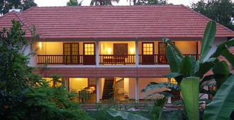 The Villa Romantica - Nedumbassery