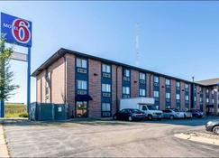 Motel 6 Elk Grove Village - Elk Grove Village - Building