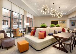 Home2 Suites by Hilton Birmingham Downtown - Birmingham - Sala de estar