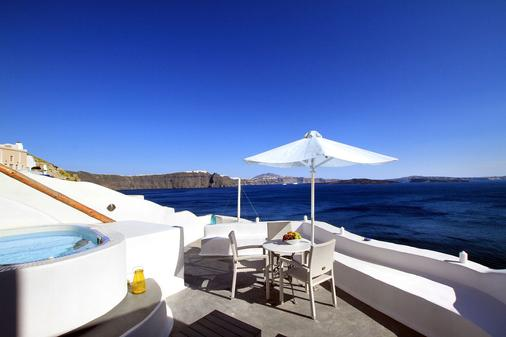 Residence Suites - Oia - Balcony