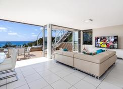 Picture Point Terraces - Noosa Heads - Living room