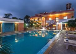 Landmark Forest Park - Sauraha - Pool