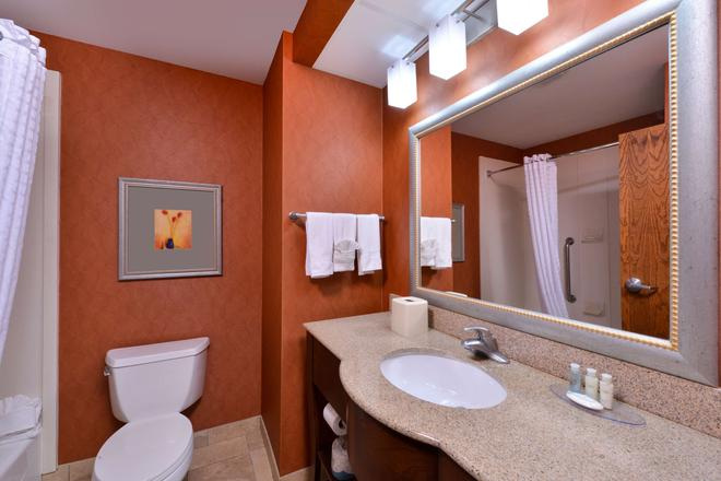 Best Western Plus Wichita West Airport Inn - Wichita - Phòng tắm