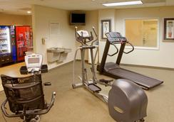 Extended Stay America Bakersfield - Chester Lane - Bakersfield - Gym