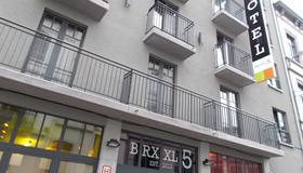 Brxxl 5 City Centre Hostel - Bruselas - Edificio