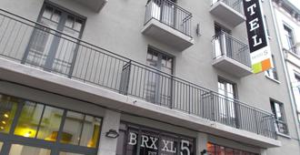 Brxxl 5 City Centre Hostel - Bruselas - Edificio