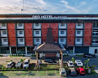 Hotel Neo Eltari Kupang By Aston - Kupang - Gebouw
