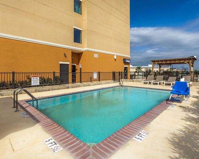 Comfort Suites Cotulla - Cotulla - Pool