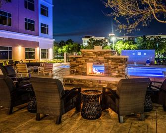 Cambria Hotel & Suites Mcallen Convention Center - Макаллен - Басейн