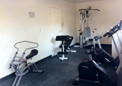 Americas Best Value Presidents Inn on Munras - Monterey - Gym