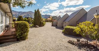 Manuka Crescent Motel - Wanaka - Outdoor view