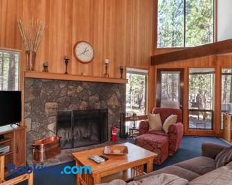 Black Butte Ranch: Authentic Ranch Cabin - Sisters - Wohnzimmer