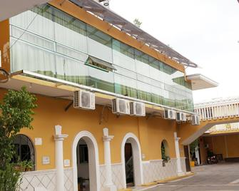 Hotel La Jolla - Кульякан - Building