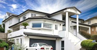 Lush & Co Auckland Bed & Breakfast - Auckland - Building
