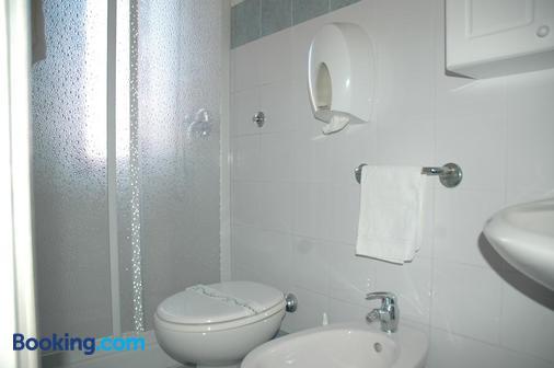 Albergo Dei 10 Colori - Procchio - Bathroom