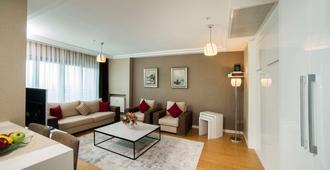 Radisson Residences Avrupa Tem Istanbul - Istanbul - Living room