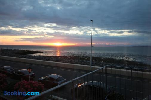 The Shipping Lanes Hotel - Morecambe - Balcony