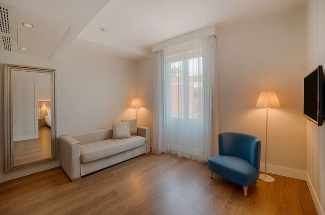 NH Genova Centro - Génova - Sala de estar