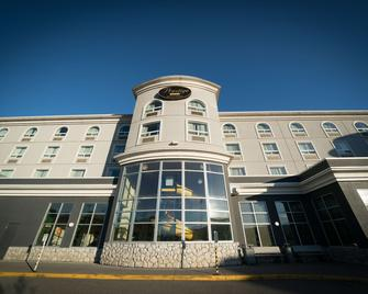 Prestige Treasure Cove Hotel, BW Premier Collection - Prince George - Gebouw