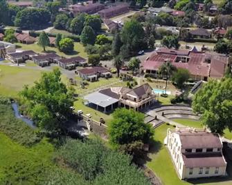 Floreat Riverside Lodge - Sabie - Außenansicht