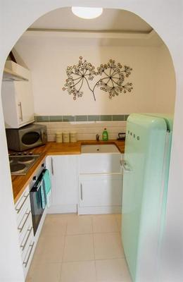 Clara Lodge Guesthouse - Dunfermline - Kitchen
