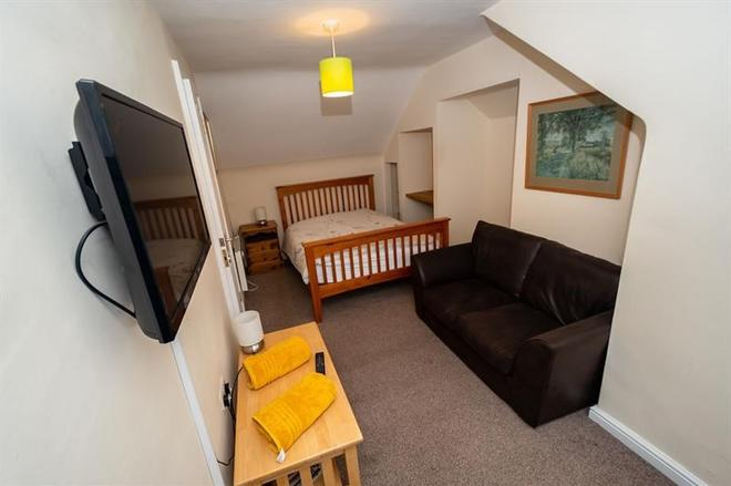 Clara Lodge Guesthouse - Dunfermline - Bedroom