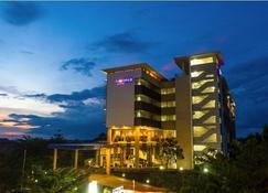 Luwansa Hotel - Palangkaraya - Building