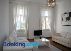 Kunsthaus Apartments - Vienna - Living room