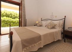 Best House Sea View Apartment - Pylos - Bedroom