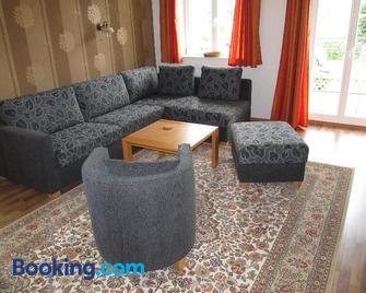Haus am Kustenwald Ferienwohnungen - Seeheilbad Graal-Müritz - Living room