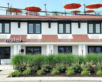 Daddy O Hotel - Beach Haven - Building