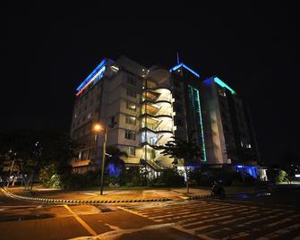 Paseo Premiere Hotel - Santa Rosa - Edificio