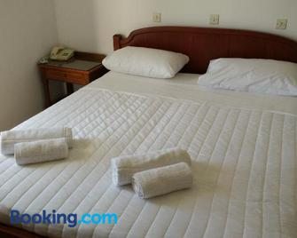 Miros Hotel Apartments - Tigaki - Bedroom