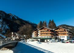 Parkhotel Sonnenhof - Oberammergau - Building