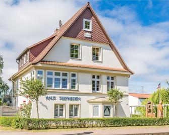 Haus Seefrieden - Boltenhagen - Building