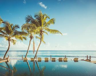 Carana Beach Hotel - Glacis - Strand