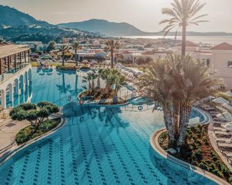 Lindos Imperial Resort & Spa - Кіотарі - Басейн